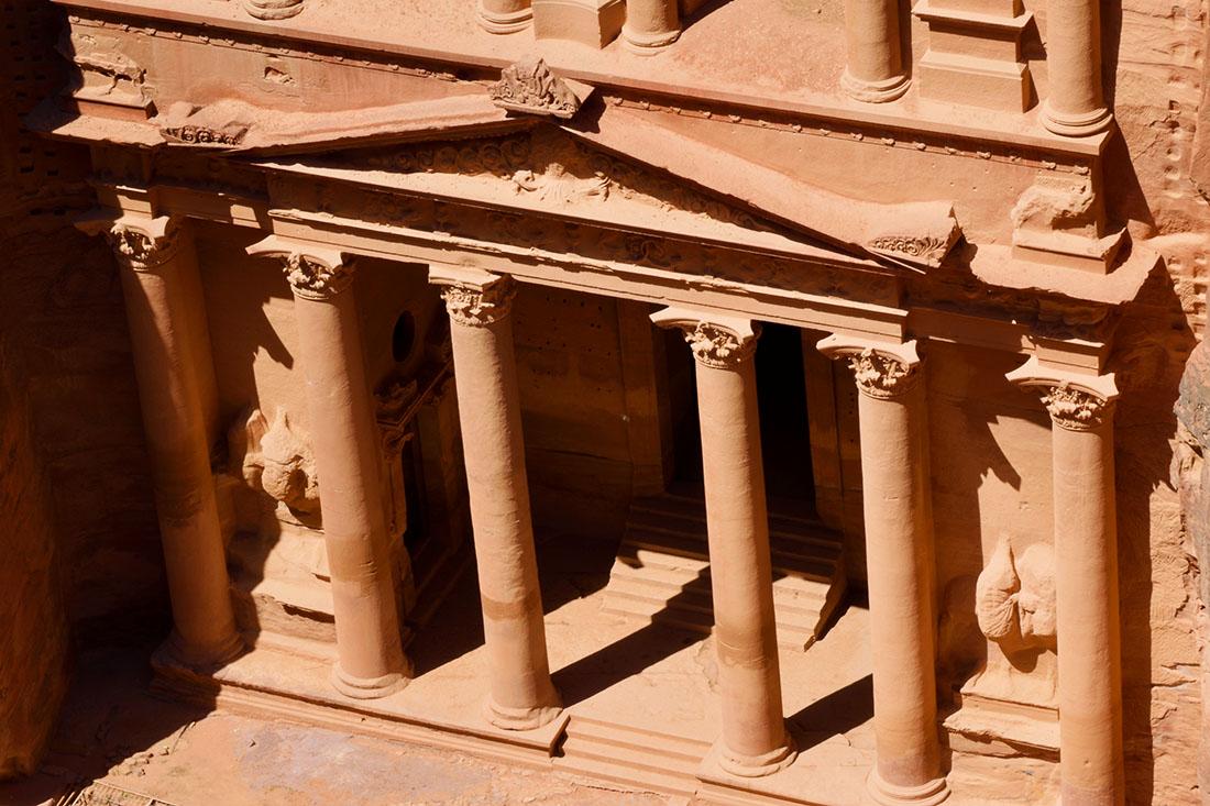 La estructura inferior del Tesoro, de clara influencia helenística