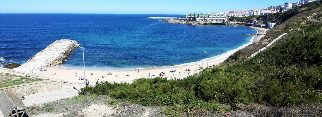 Praia do Sul con Ericeira al fondo