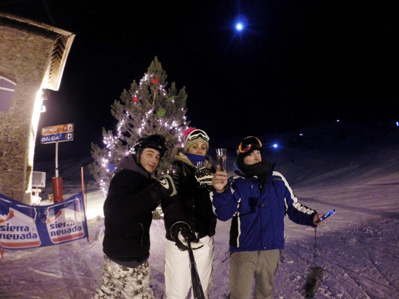Brindis de año nuevo esqui nocturno Sierra Nevada
