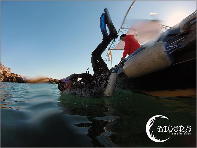 Entrada al agua en Cala Fría, Cabo de Palos