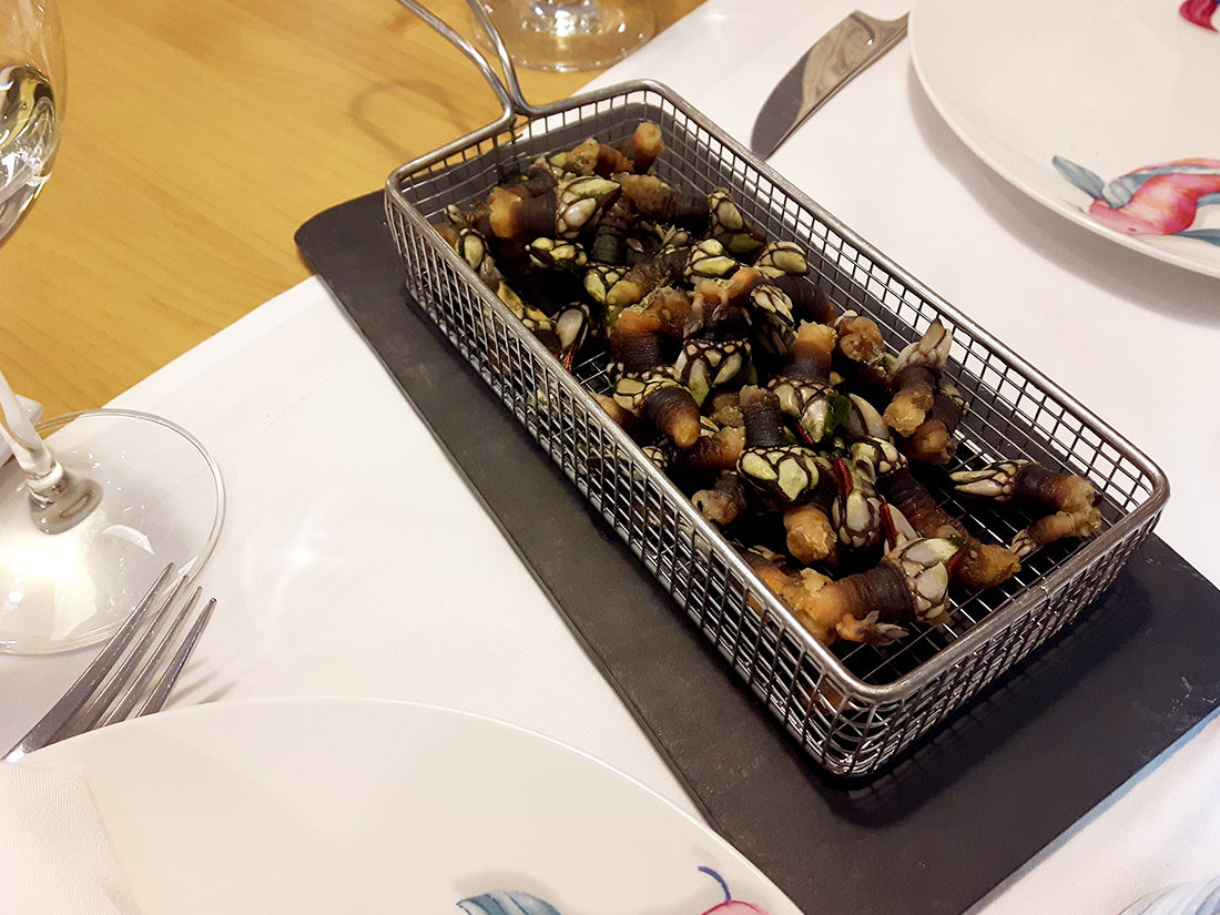Percebes en restaurante el Marinero Suances