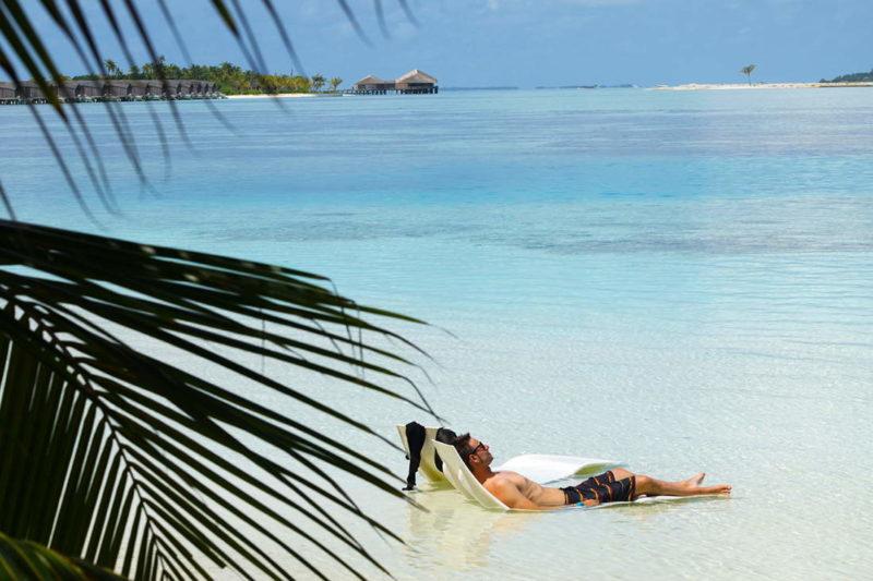Laguna del Hudhuranfushi resort en Maldivas