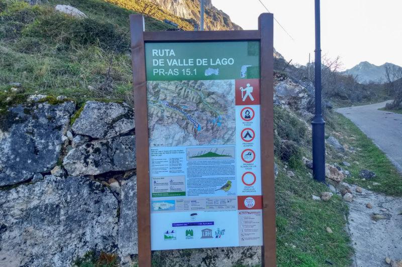 Cartel ruta Valle del Lago.