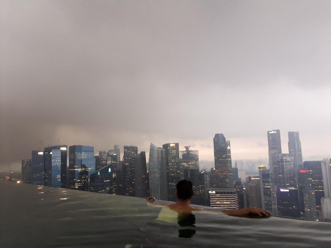 El monzon en el Marina Bay, Singapur
