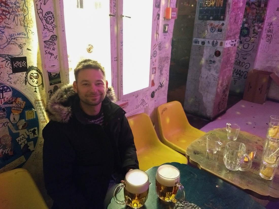 Cervezas en Szimpla Kert