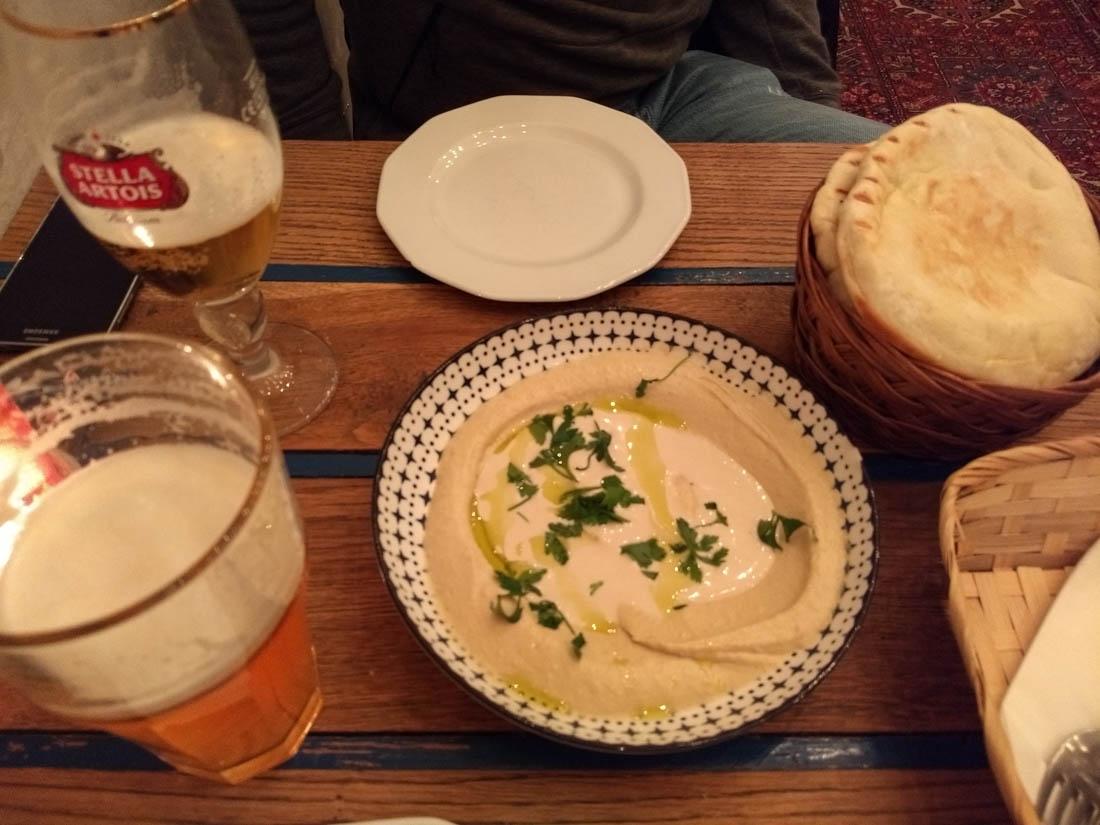 Hummus en Mazel Tov
