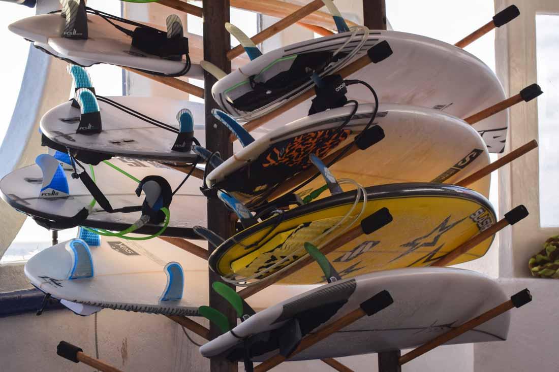 Tablas en barco surf Maldivas