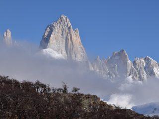 Fitz Roy entre nubes, en el Parque Nacional de los Glaciares