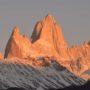 El grupo de montañas del Fitz Roy en el macizo de El Chalten