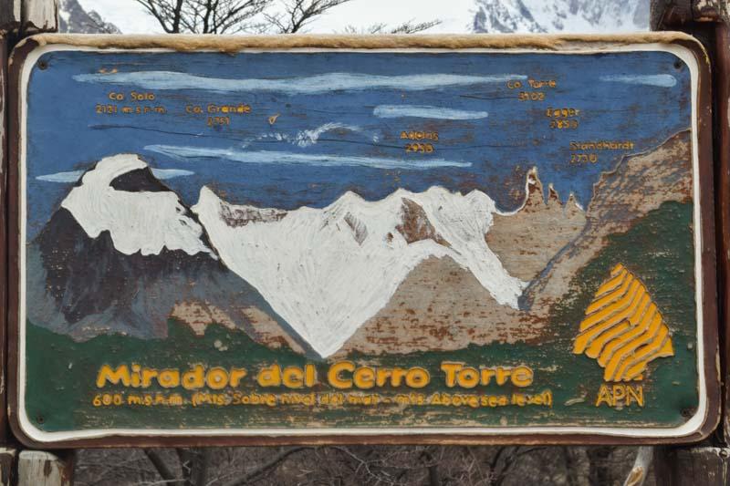 Cartel mirador Cerro Torre en Patagonia