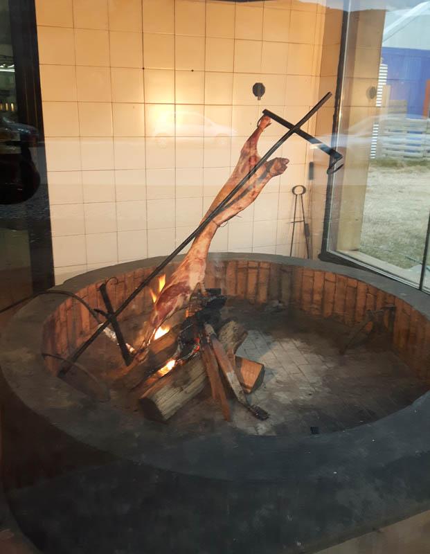 Cordero Patagonico asado