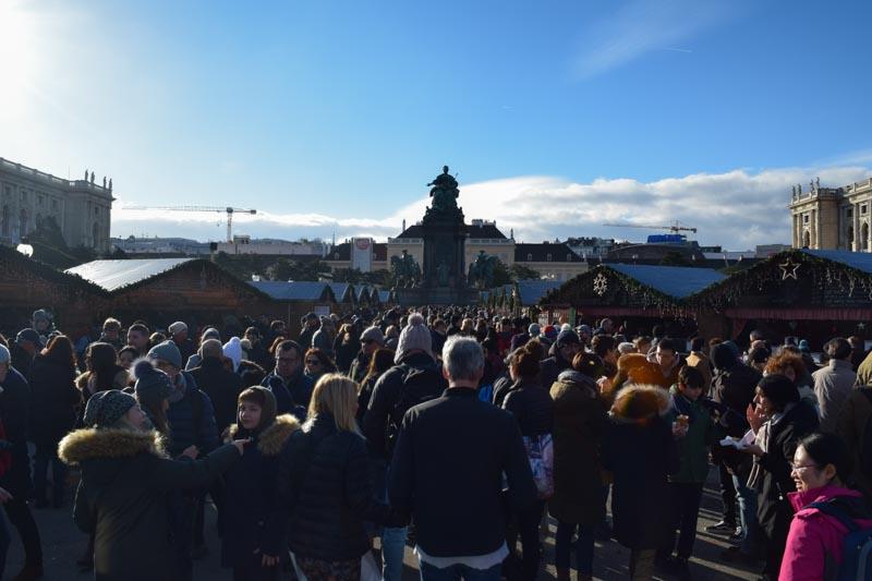 Mercado navideño en Maria-Theresien-Platz Viena