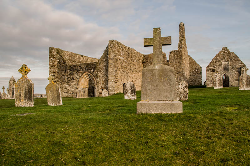 Monasterio de Clonmacnoise Irlanda
