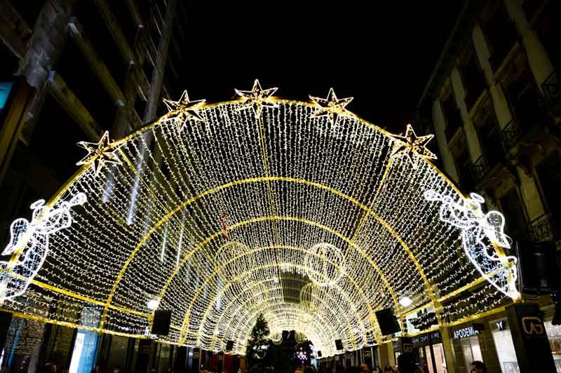 Arco de luz en Oviedo calle Pelayo