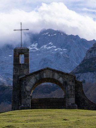 Hermita en Vega de Enol Lagos de Covadonga