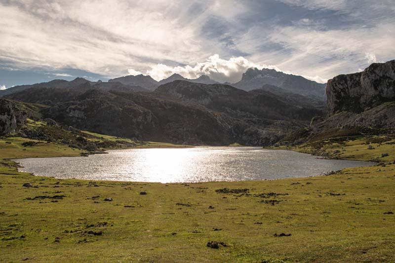 Acceso a Los Lagos de Covadonga