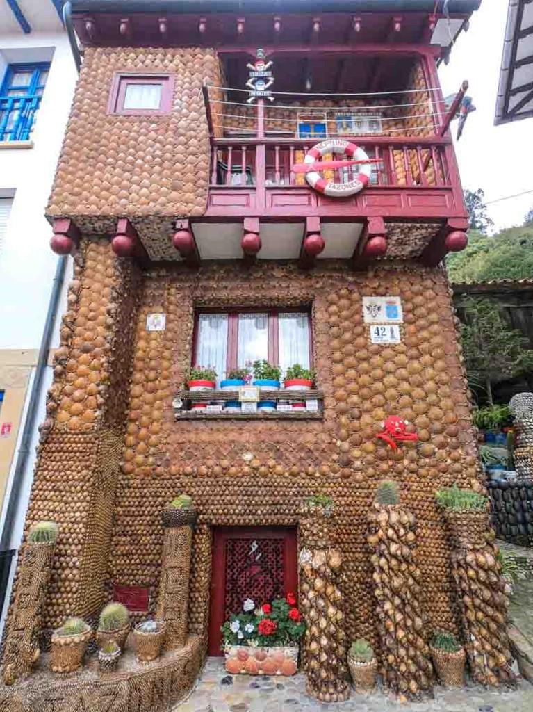 Casa de las conchas en Tazones