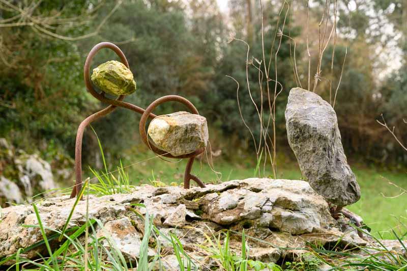 Esculturas en la ruta de los acantilados del Infierno