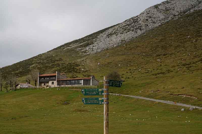 Refugio Vega de Enol Comer