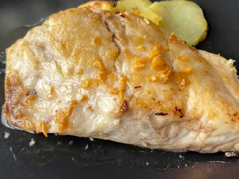 Eutimio comer pescado en Lastres