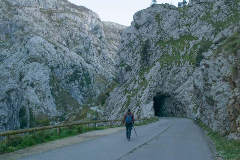 Ruta desde Poncebos a Bulnes y Pandebano