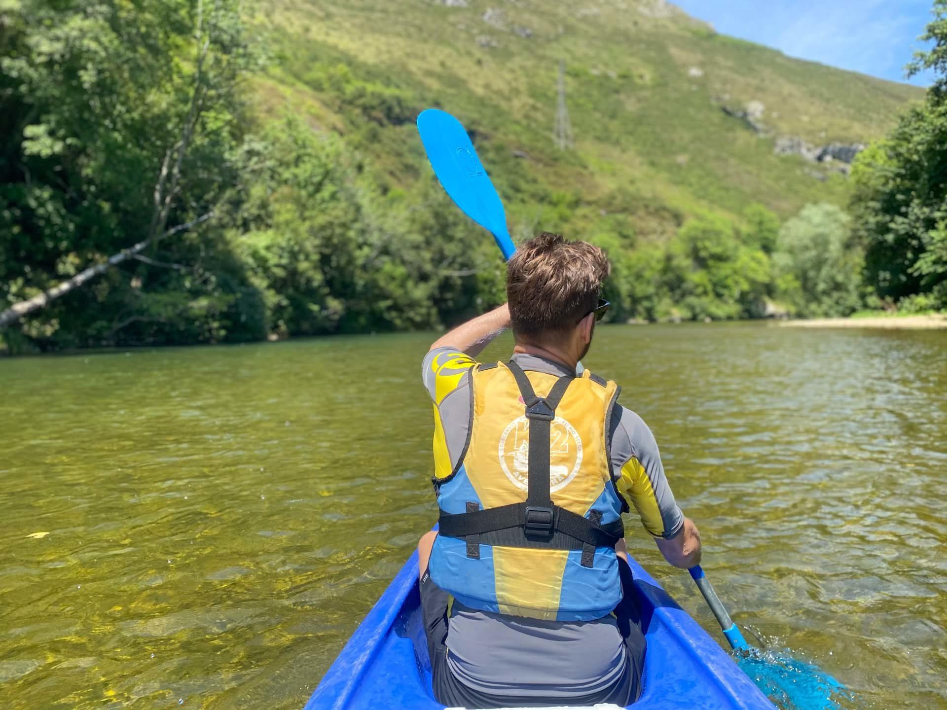 Bajar el rio Sella en canoa