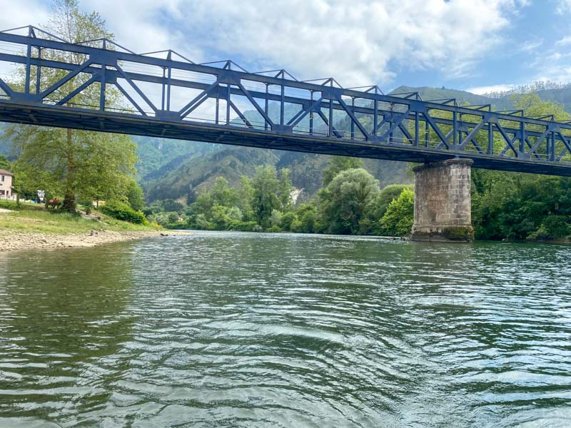 Bajar el Sella puente Llovio