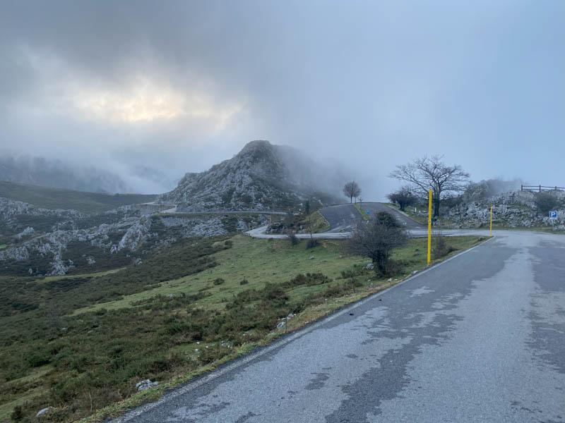 Carretera de subida a los Lagos de Covadonga