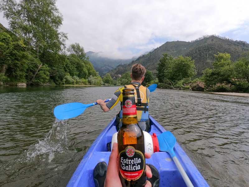 Tomarse unas cervezas bajando el Sella