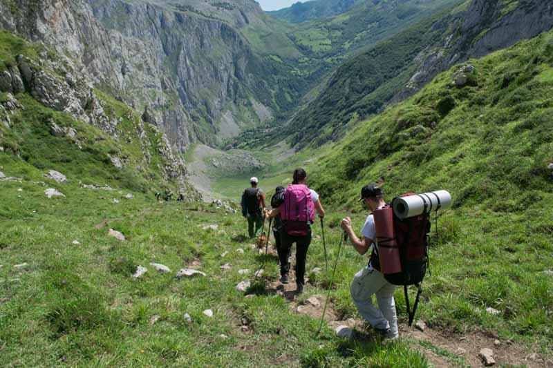 Inicio de la bajada en la Canal de Amuesa Picos de Europa