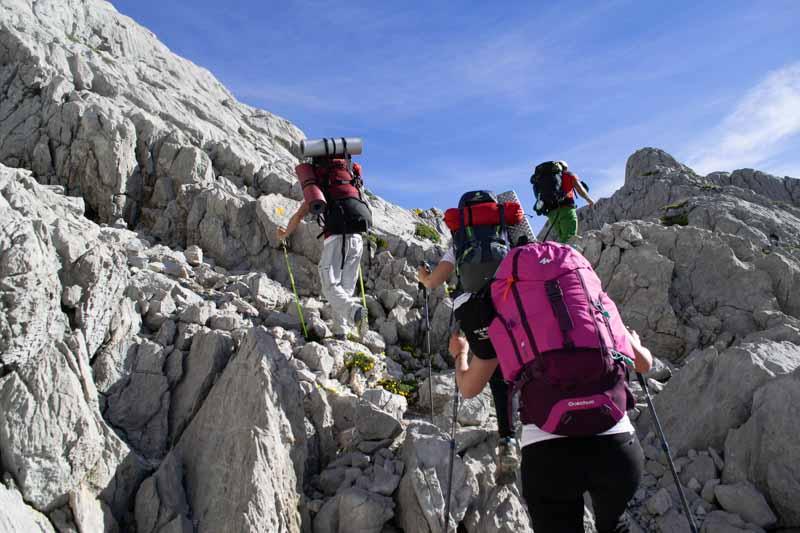 Zona de lapiaces muy cerca del Jou Cabrones en Picos de Europa