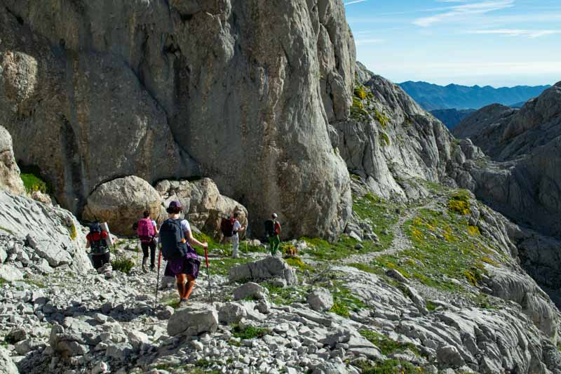 Salida del Jou de los Cabrones dirección a Amuesa y Bulnes, Picos de Europa