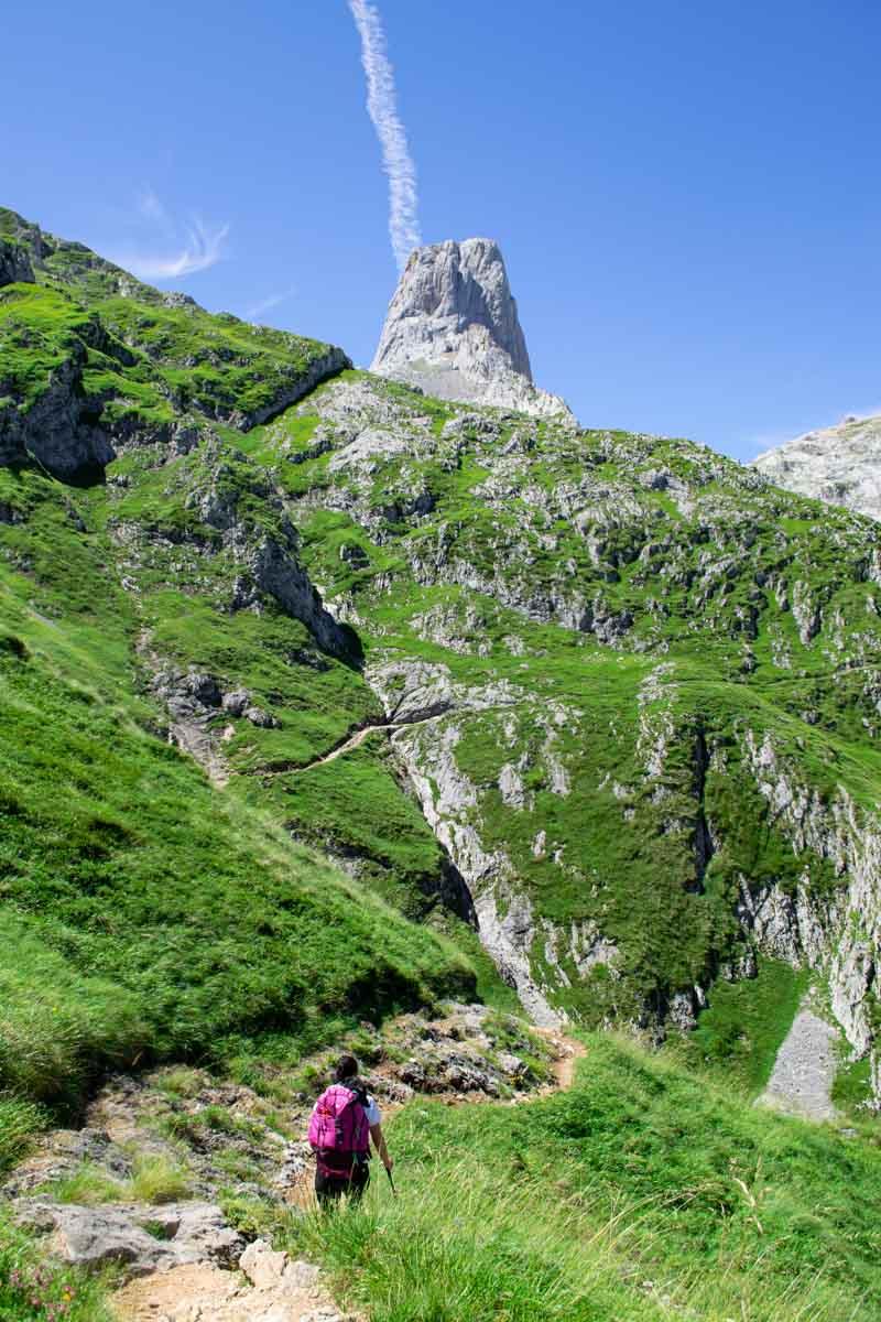 Trekking al Jou Cabrones pasando por Vega Urriellu, rutas en Picos de Europa