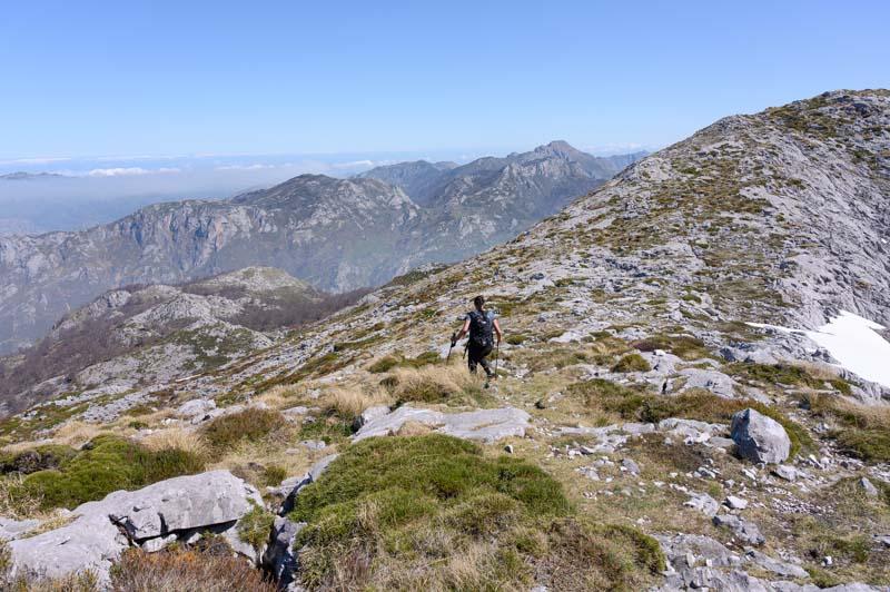 Descenso de Peña Main en Picos de Europa, Asturias