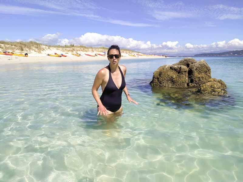 El agua en la islote de Guidoiro Areoso está fria