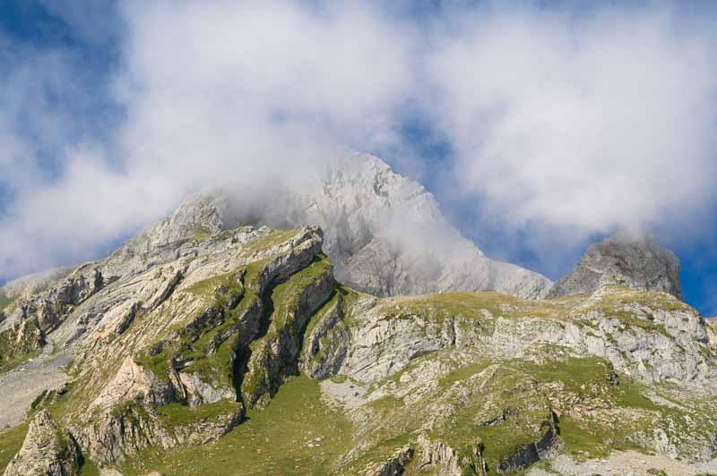 Cara norte de Peña Ubiña vista desde el refugio del Meicín