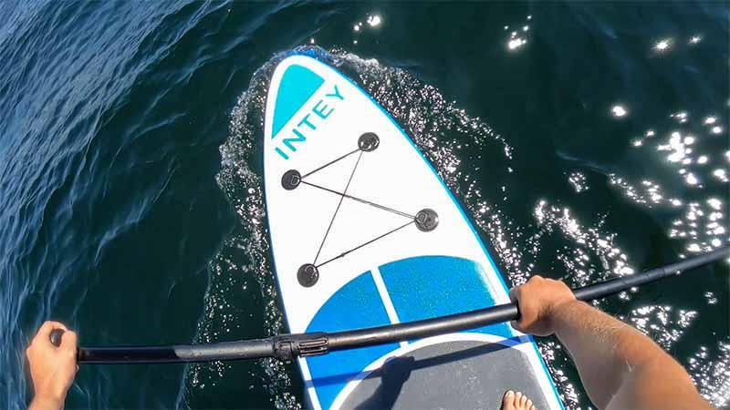Paddle surf de camino al Islote Areoso en ria de Arousa