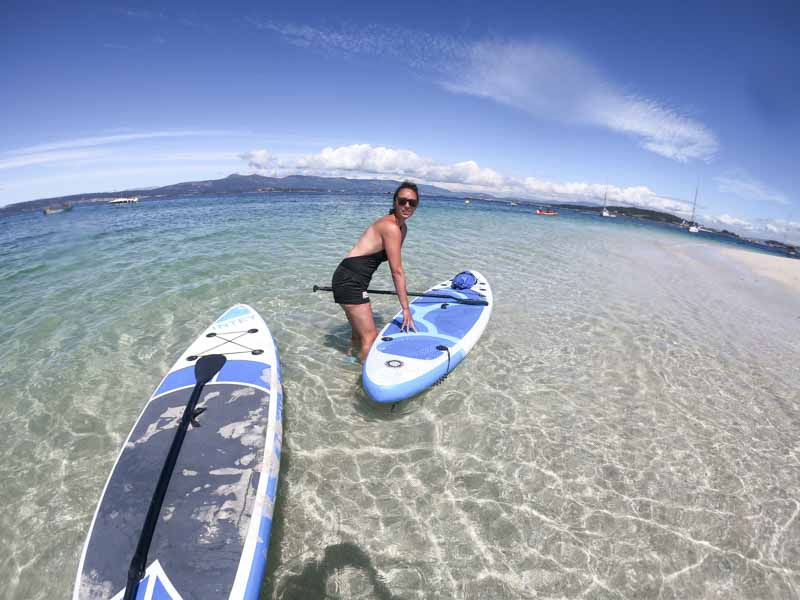 Paddle surf en islote de Areoso, Rias Baixas Galicia
