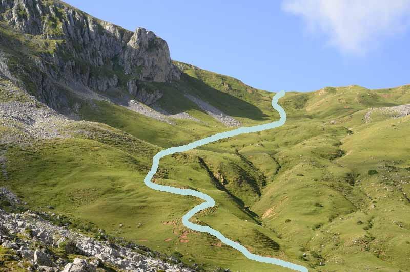 Ruta para subir a Peña Cerreos desde el refugio del Meicín